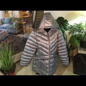 Packable Puffer Coat. 18/20